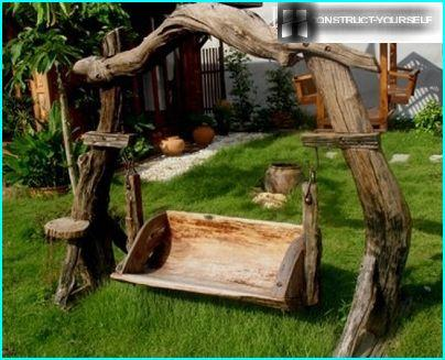 Swing from old logs