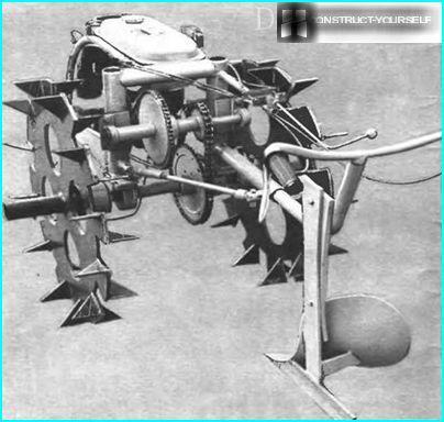 Universeller handgeführter Traktor Arkhipov