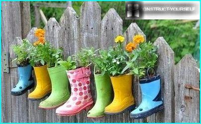 Hanging pots from rubber boots