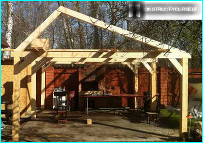 Gable roof for a summer kitchen