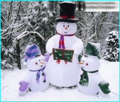 Aufblasbare Schneemänner